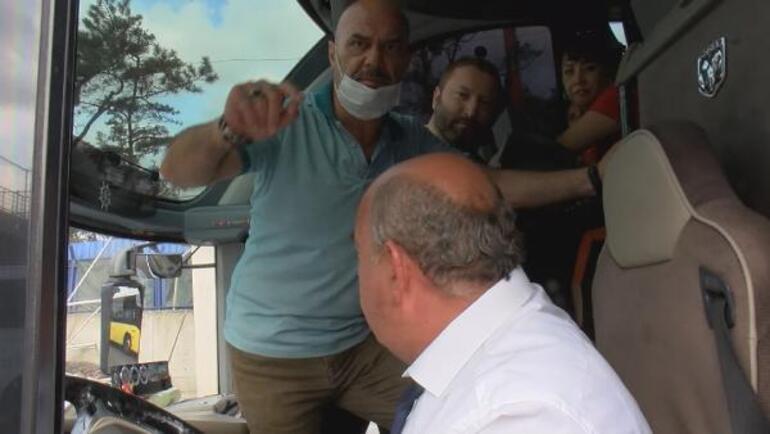 Son dakika... İstanbulda korku dolu anlar Eyüpsultanda üst geçit çöktü, yol kapandı